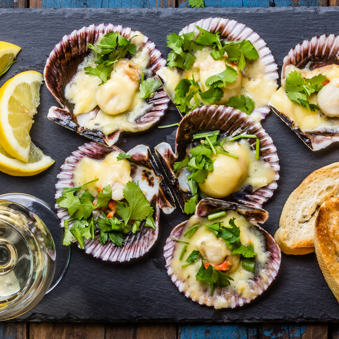 scallops_with_coriander_and_lemon_butter.jpg