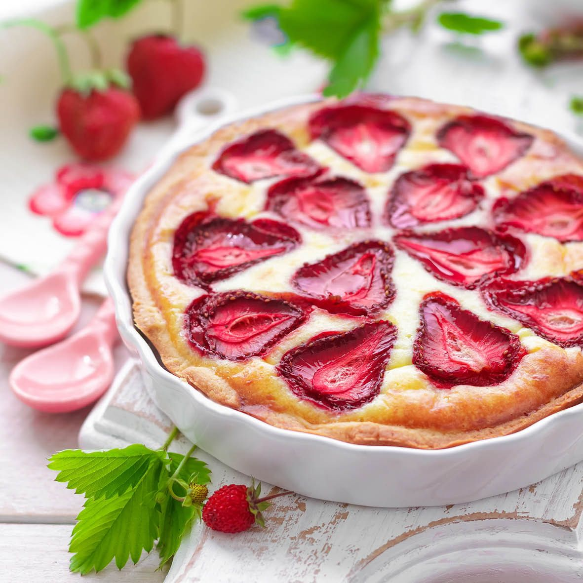 Strawberry_and_Custard_Pie.jpg