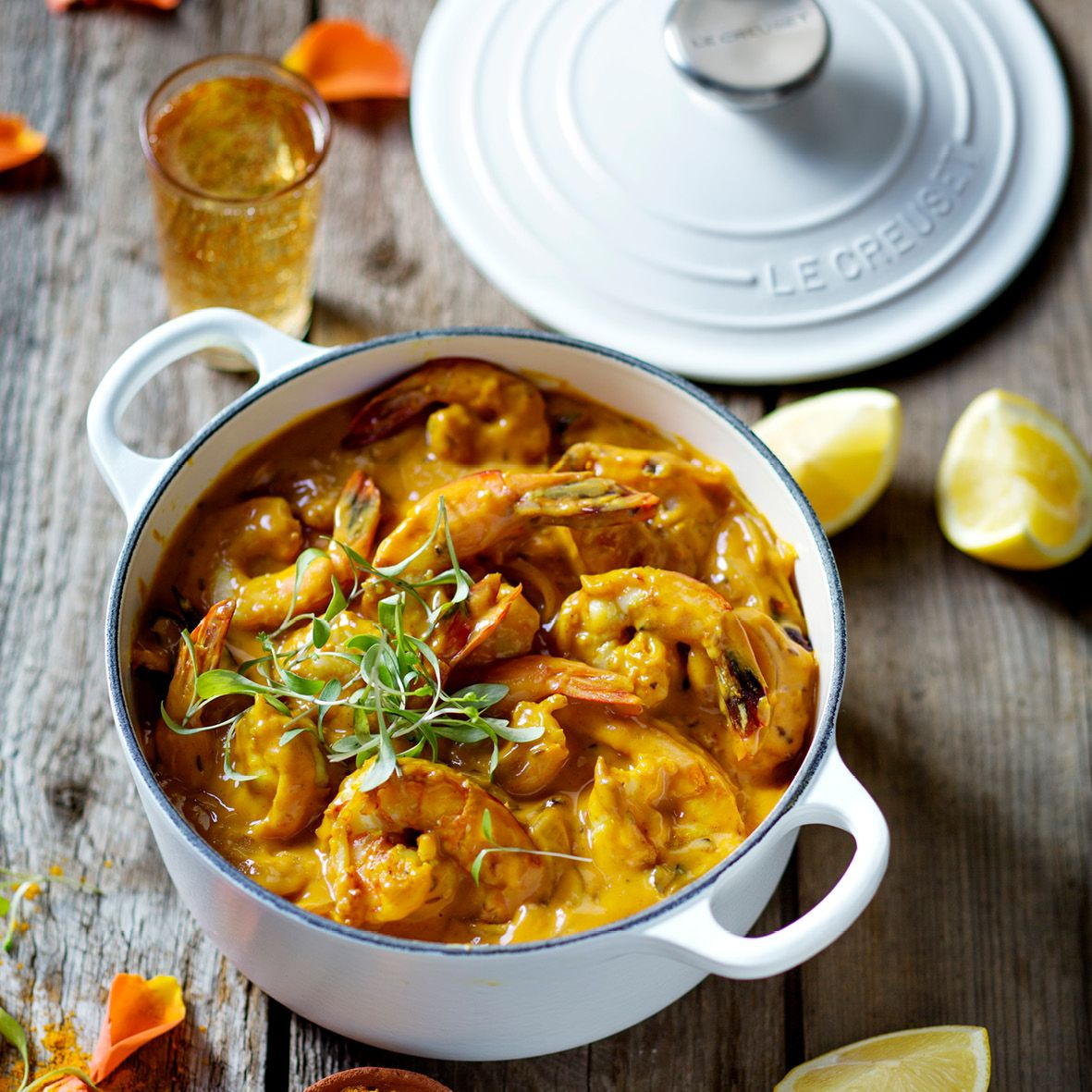 Rose_and_prawn_coconut_curry.jpg
