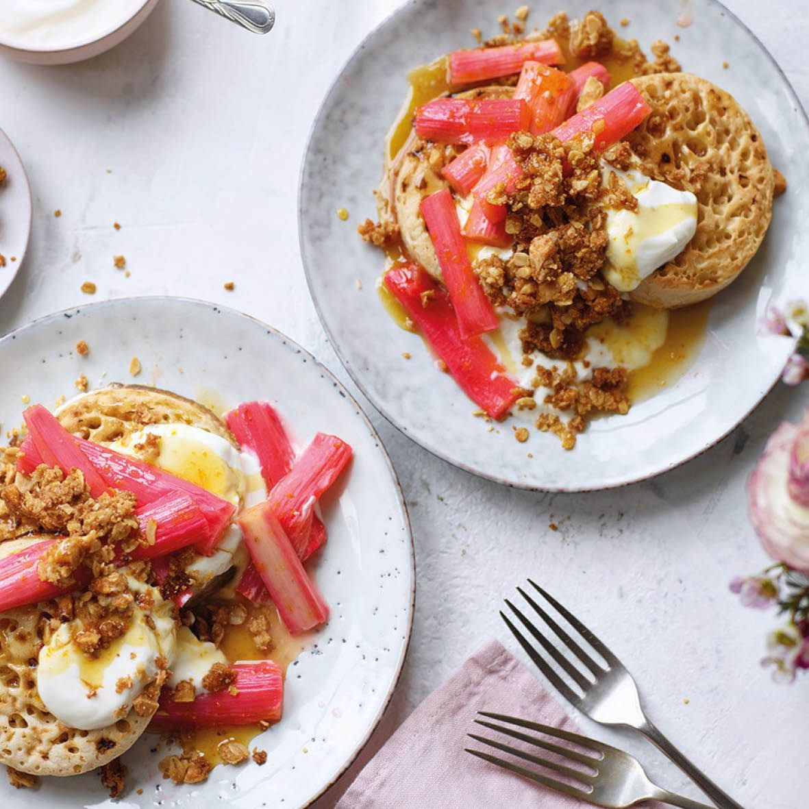 Rhubarb_crumpets_with_almond_crumb.jpg