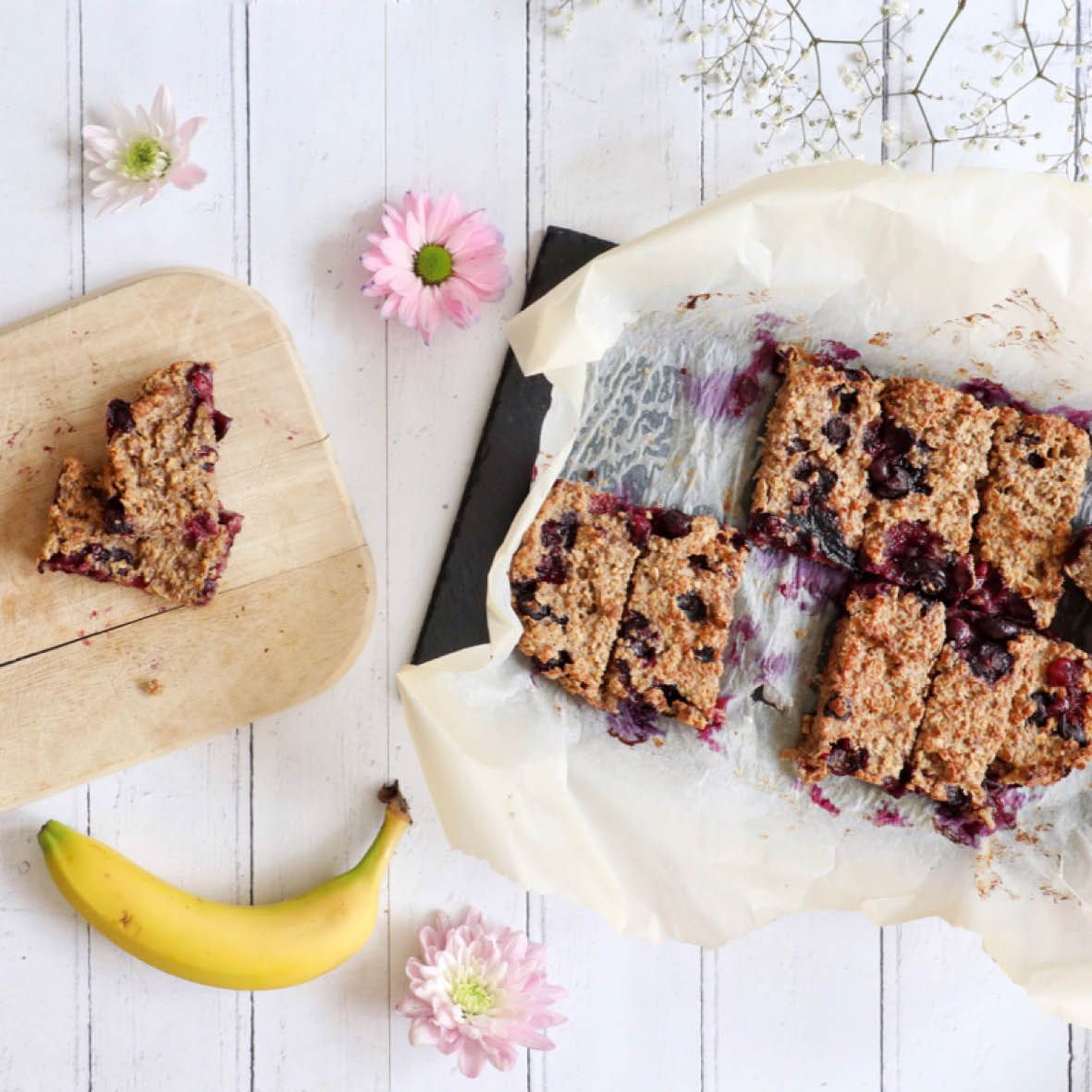 Blueberry_Breakfast_Bars.jpg