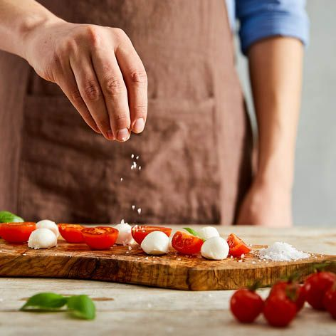 How_to_halve_a_punnet_of_cherry_tomatoes_at_once.jpg