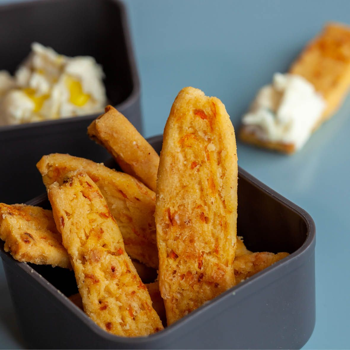 Carrot_cracker_batons_and_cream_cheese_dip.jpg