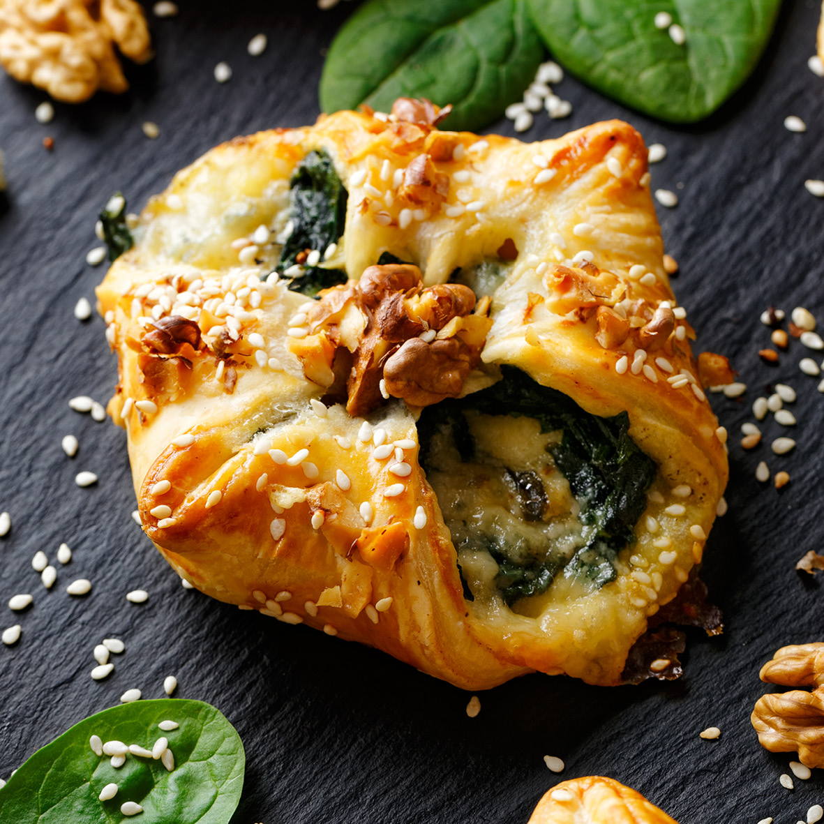 spinach blue cheese and walnut puffs.jpg