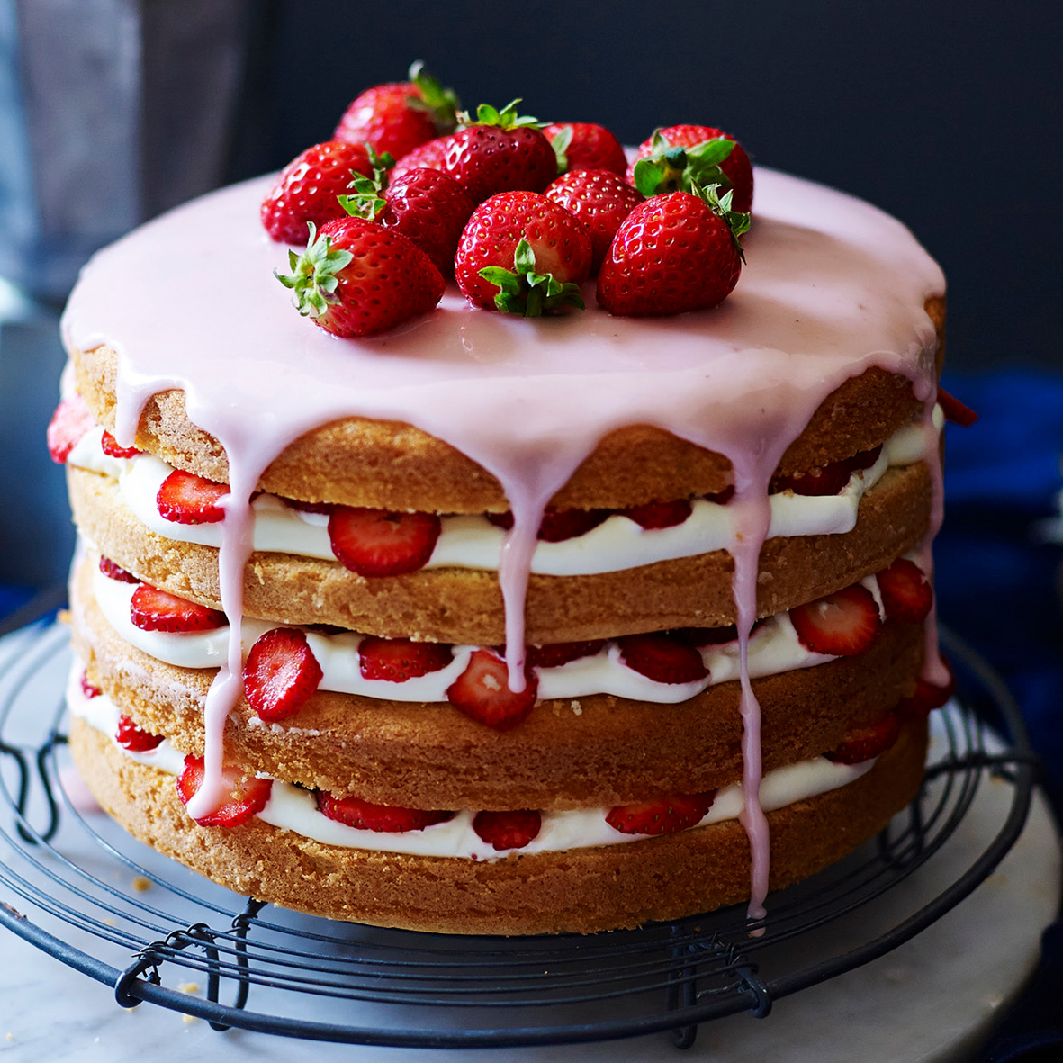 strawberry mascarpone cake.jpg