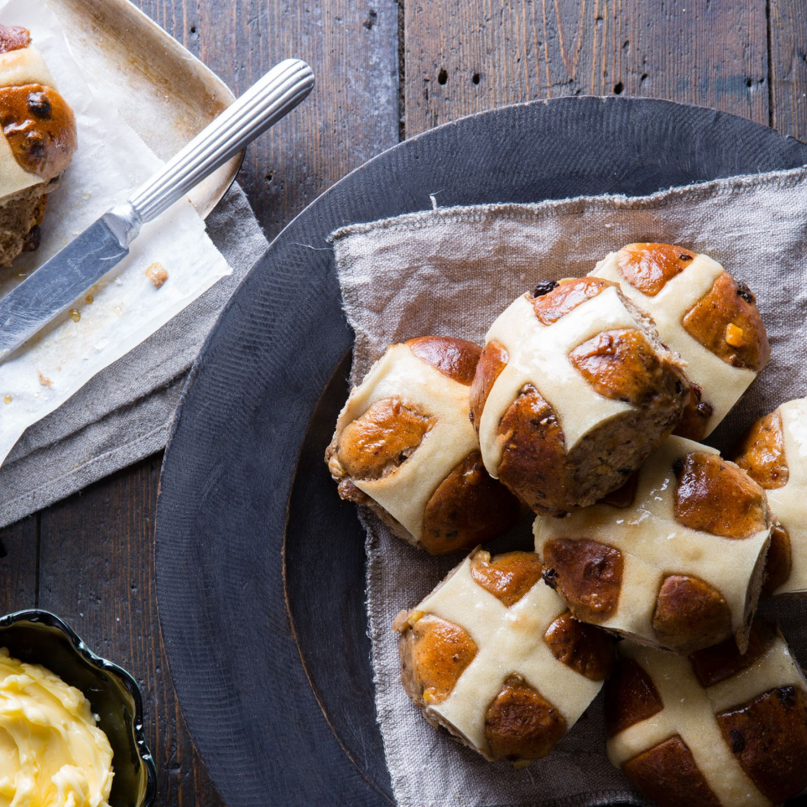 hot cross buns.jpg
