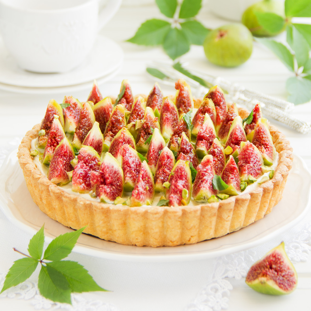 fig_and_custard_tart.jpg