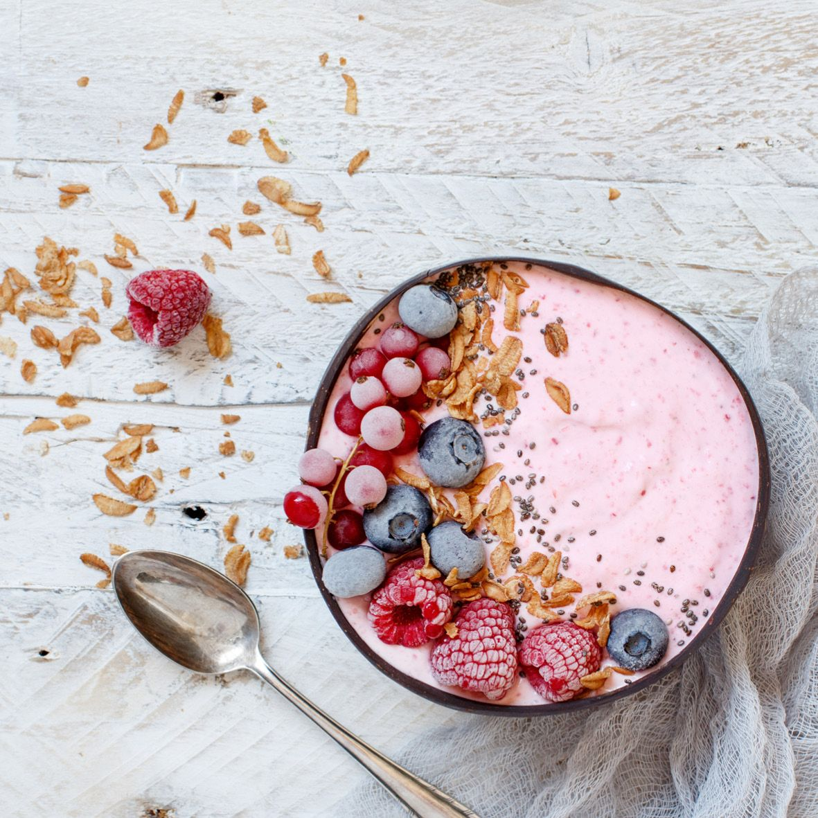 Very_berry_smoothie_bowl.jpg