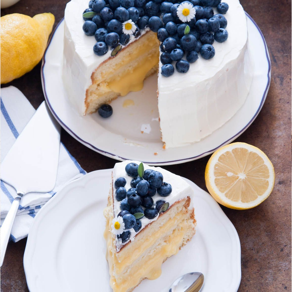Blueberry_and_Lemon_Delight_Cake.jpg
