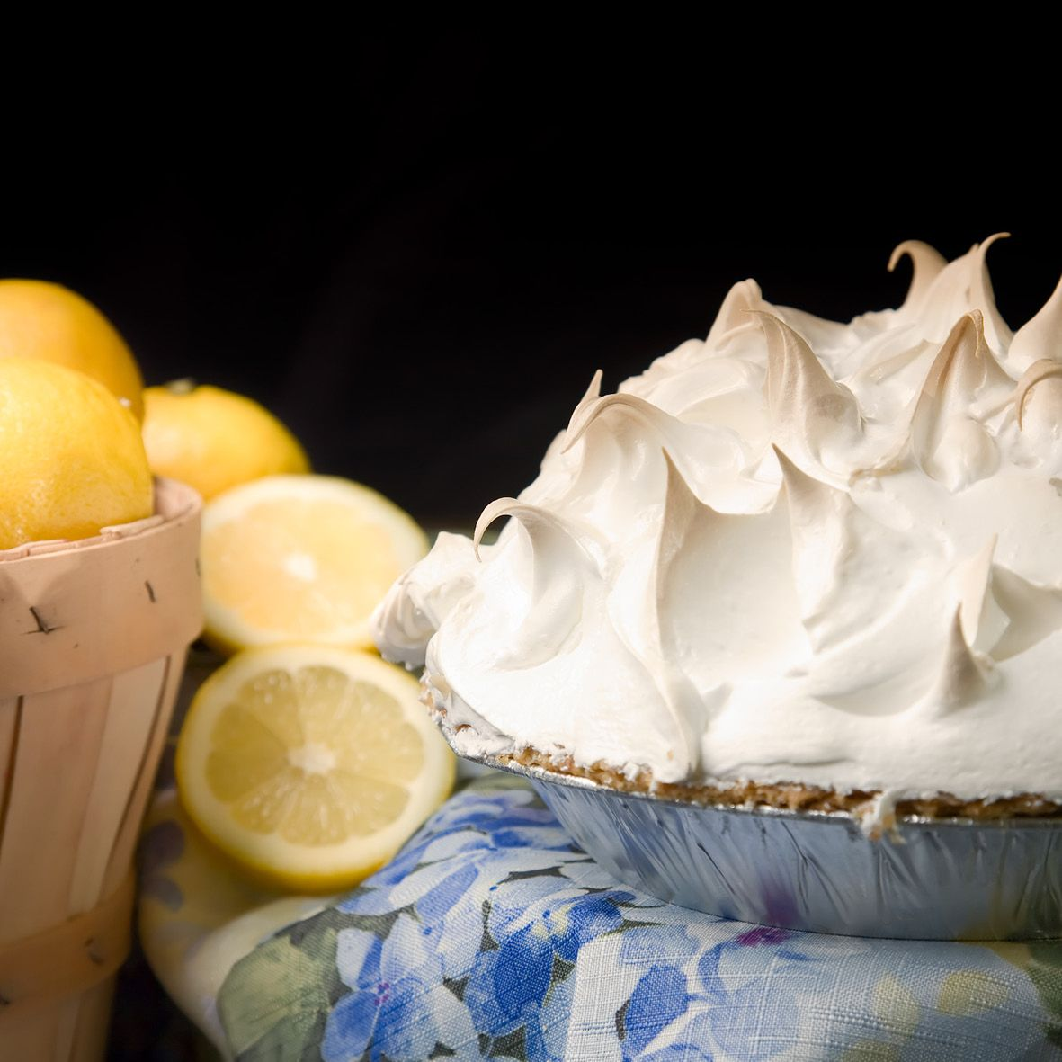 Lemon_Meringue_Pie.jpg